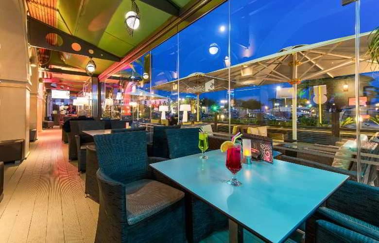 Phoenix - Restaurant - 24