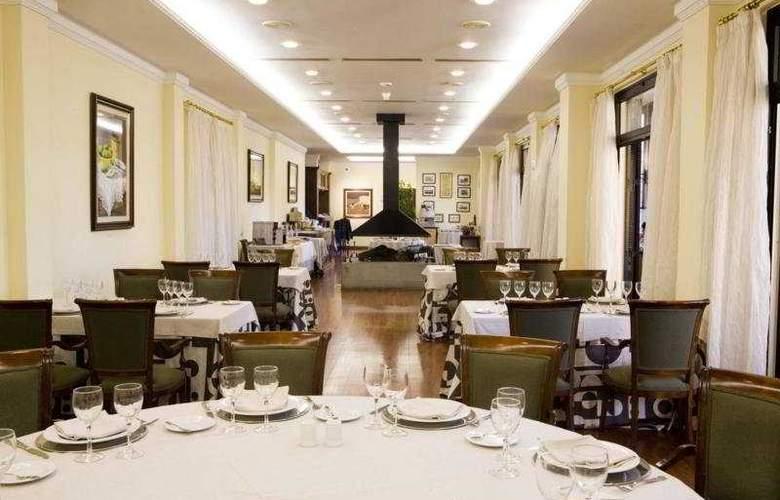 Escuela Santa Brigida - Restaurant - 2
