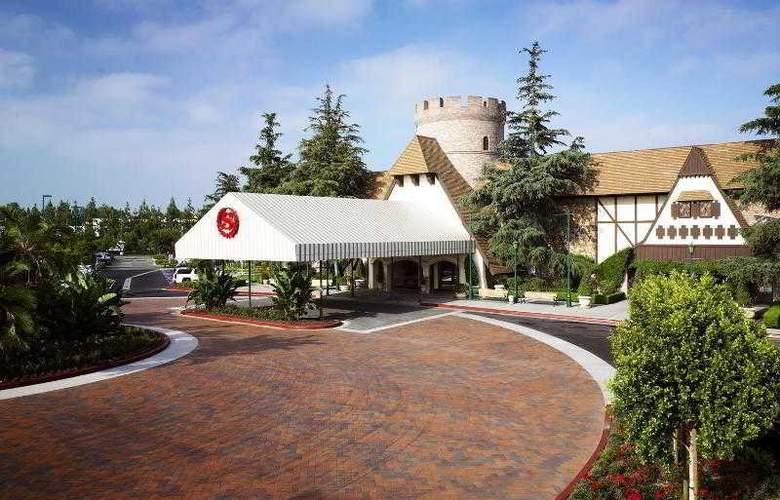 Anaheim Majestic Garden - Hotel - 17