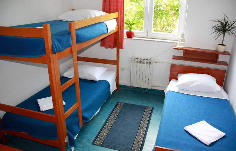 Omladinski Hostel - Room - 7
