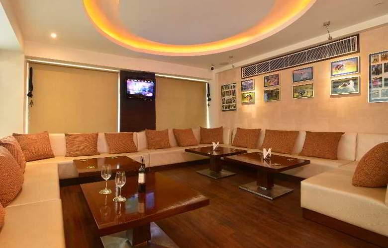 Hotel Le ROI - Bar - 6