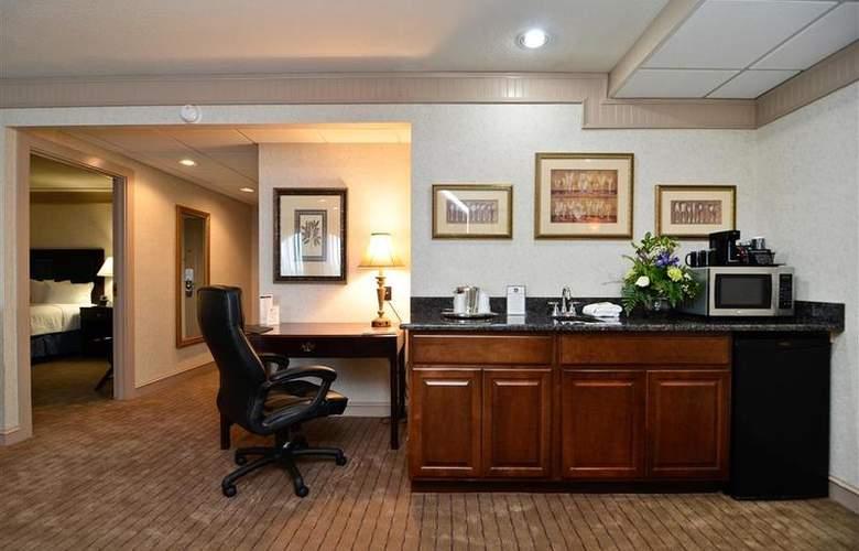 Best Western Plus Concordville Hotel - Room - 92