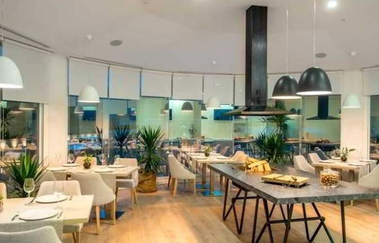 Kavalier Boutique Hotel - Restaurant - 4