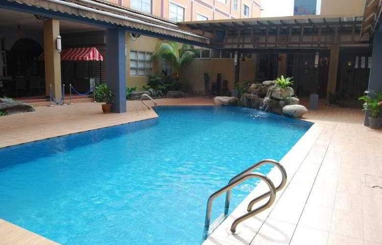 Hotel Maluri Kuala Lumpur - Pool - 2