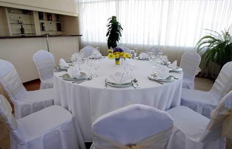 Le Grande Plaza - Restaurant - 9