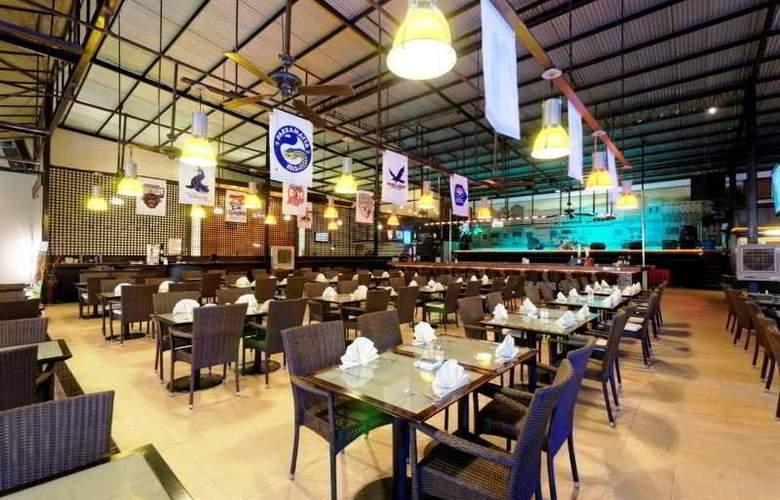 Kuta Station Hotel & Spa Bali - Restaurant - 10