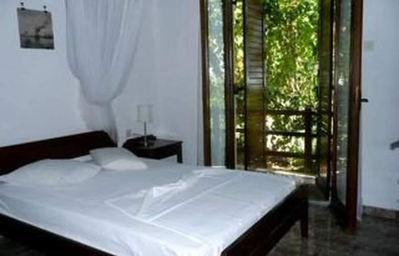 Vista Del Mar - Room - 2