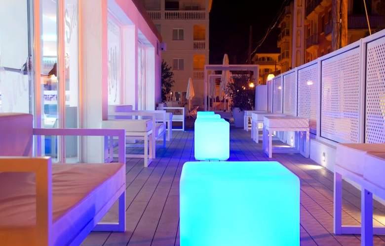 Triton Beach by Crea Hoteles (Sólo Adultos) - Terrace - 6