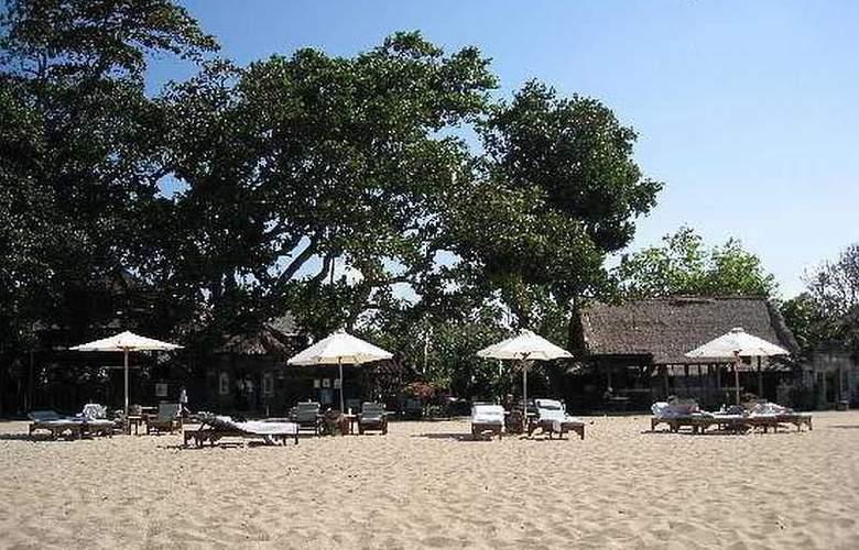 Tandjung Sari - Beach - 2