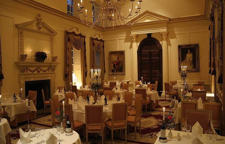 Hintlesham Hall - Restaurant - 10
