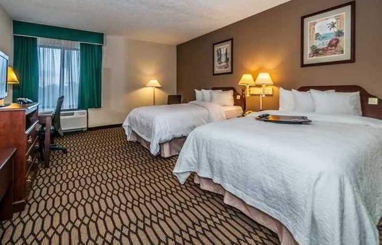 Hampton Inn St. Petersburg - Hotel - 7