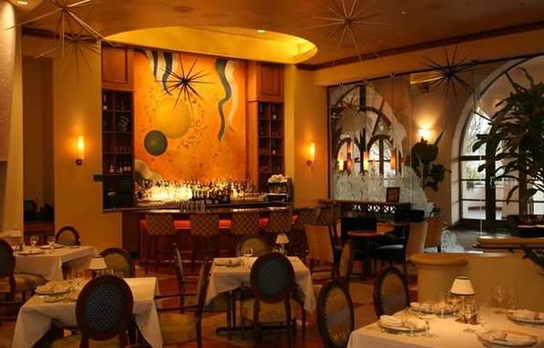 Hilton Santa Barbara Beachfront Resort - Restaurant - 36
