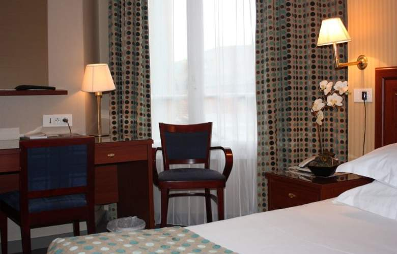 Quality Hotel Reims Europe - Room - 5