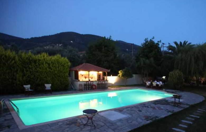 Sun Hotel - Pool - 2