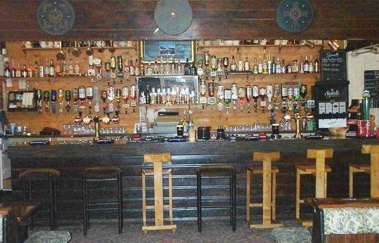Covenanters Inn - Bar - 0