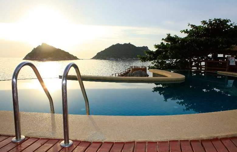 Dusit Buncha Resort Koh Tao - Pool - 19