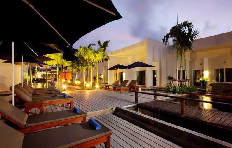 Kata Lucky Villa & Pool Access - Hotel - 11