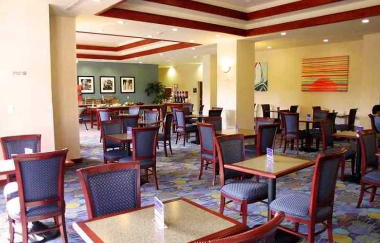 Hampton Inn Tampico - Hotel - 5