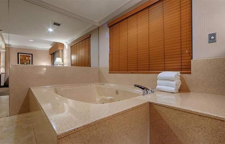 Best Western Plus Suites Hotel - Room - 55