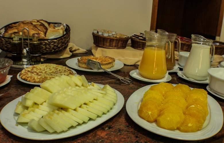 Evenia Oros - Meals - 5