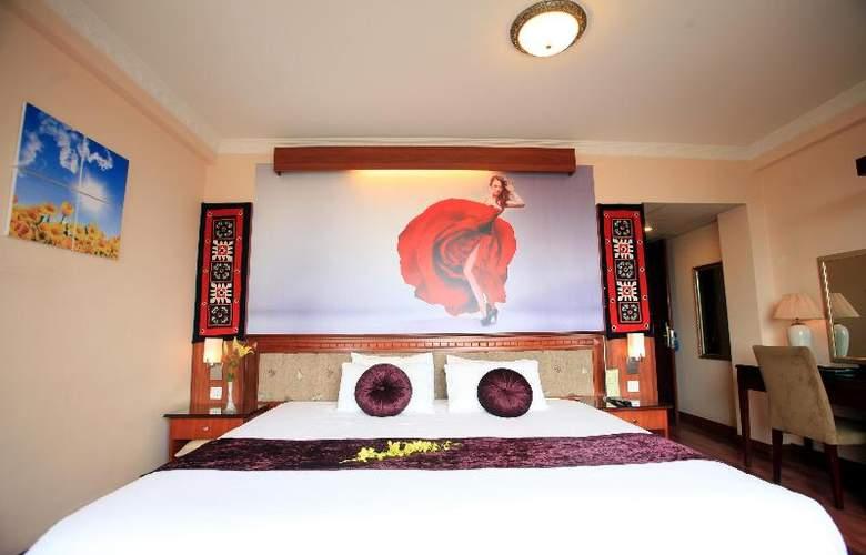 Flower Hotel - Room - 10