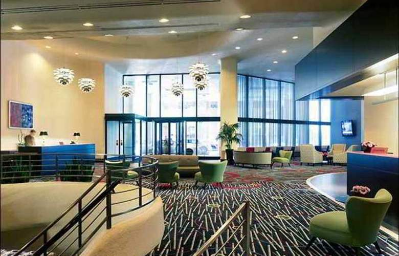 Doubletree Hotel Chicago Magnificent Mile - General - 2