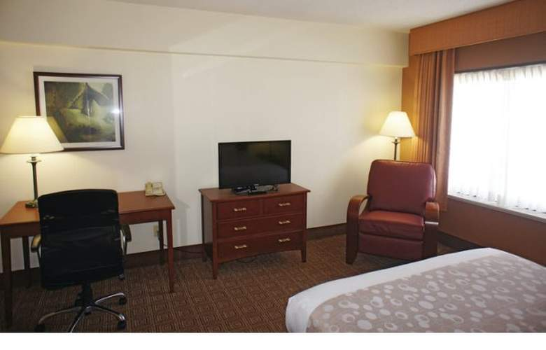 La Quinta Inn & Suites New Haven - Room - 1