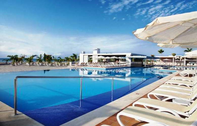 Riu Playa Blanca - Pool - 14