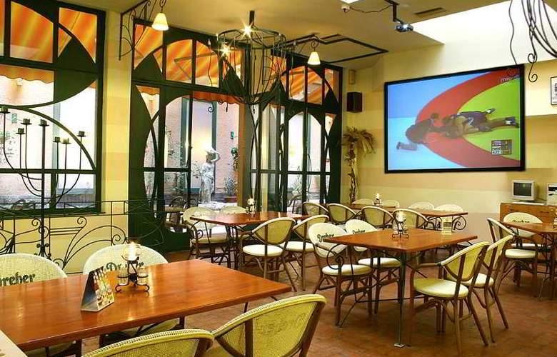 Swing City - Restaurant - 6