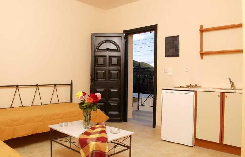 Elanthi Village Apartments - Hotel - 0