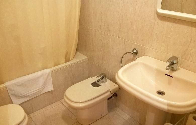 Apartamentos Biescas 3000 - Room - 9