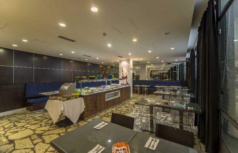 Hotel Petit Palace Cliper Gran Vía - Restaurant - 17