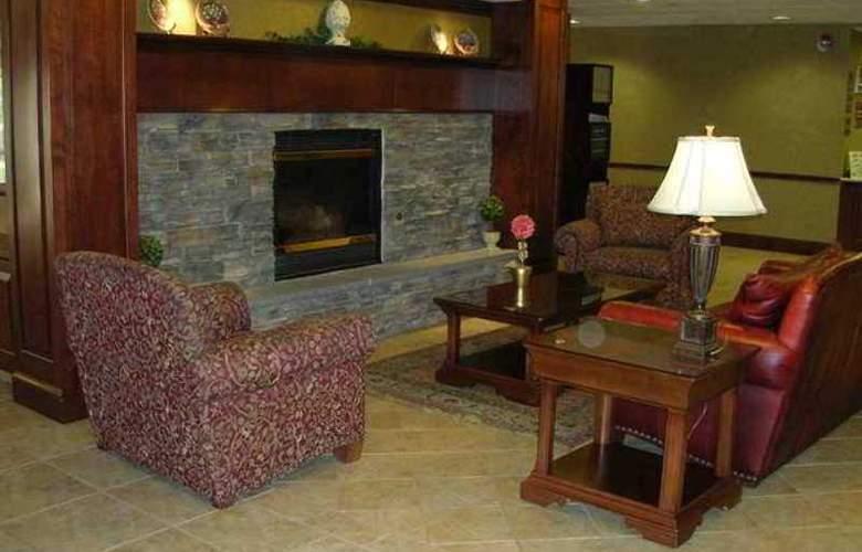 Hampton Inn Waynesboro/Stuarts Draft - Hotel - 5