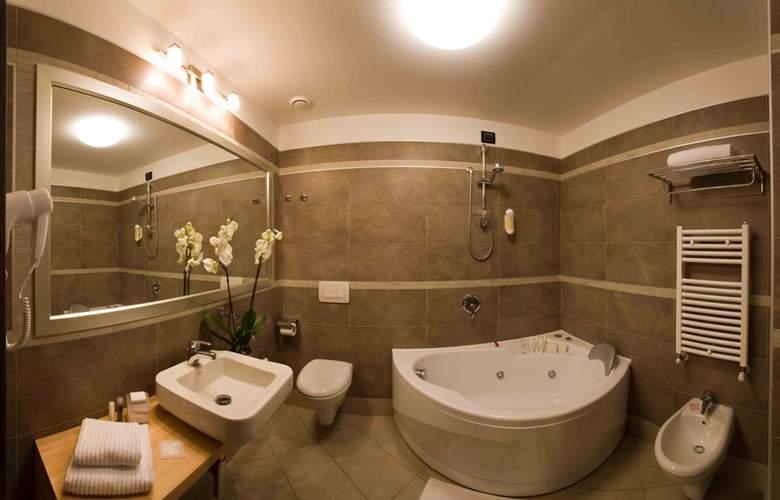 Hotel Cosmopolitan - Room - 9