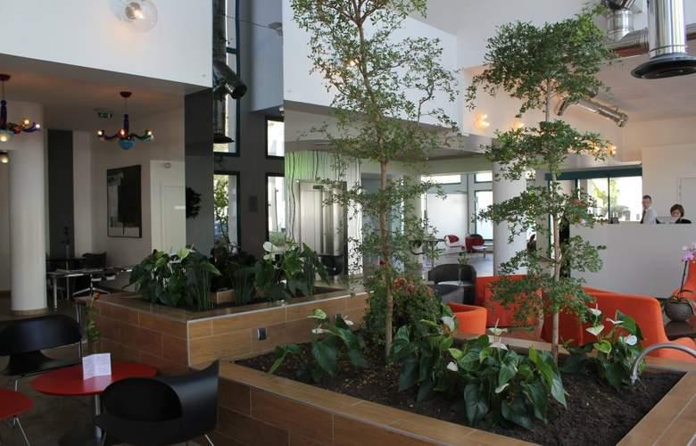 Masqhotel La Rochelle - Hotel - 4