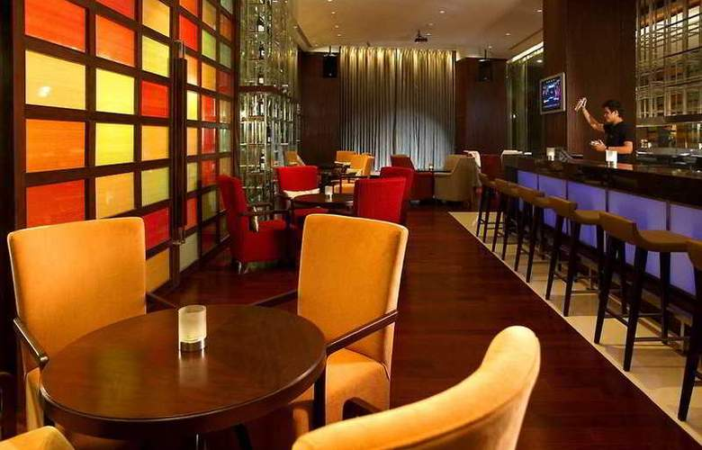 Holiday Inn Silom - Bar - 4