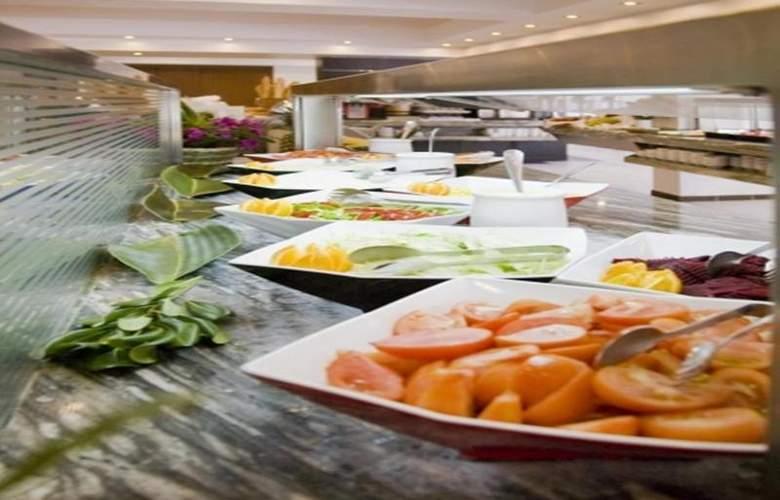 Fergus Bermudas - Restaurant - 77