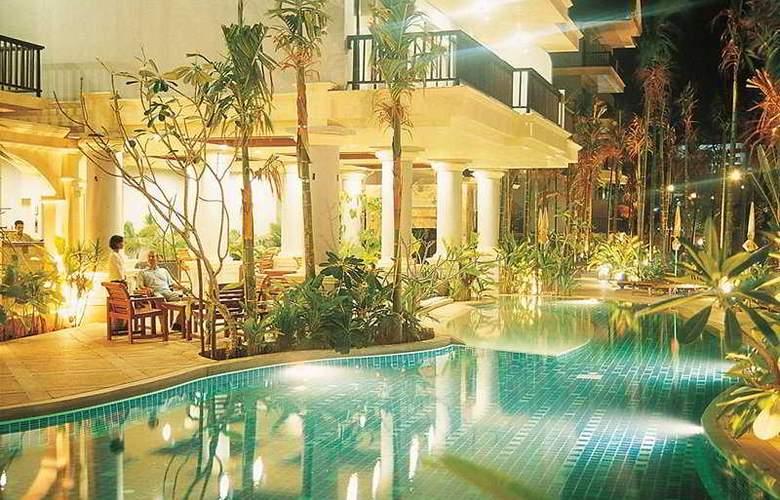 Front Village Phuket - Pool - 8