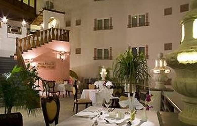 Manazel Al Ain Mercure - Restaurant - 19