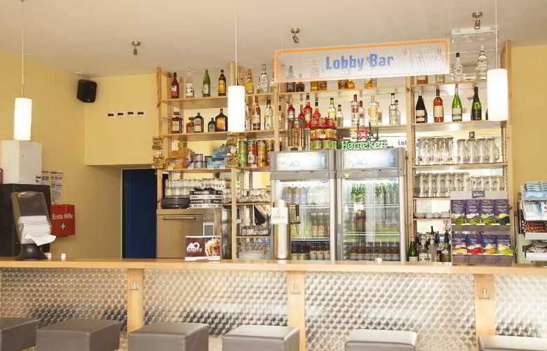 A&O Weimar - Bar - 20