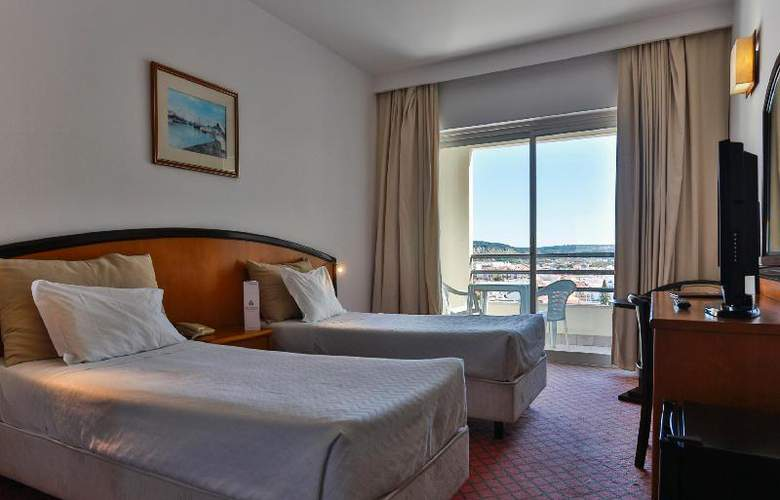Tryp Lisboa Caparica Mar - Room - 9