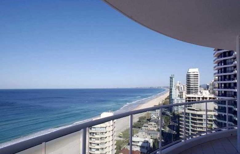 Pacific Views Resort - Beach - 6