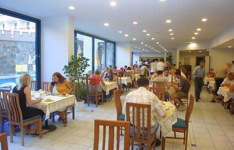 Karat Hotel - Restaurant - 3