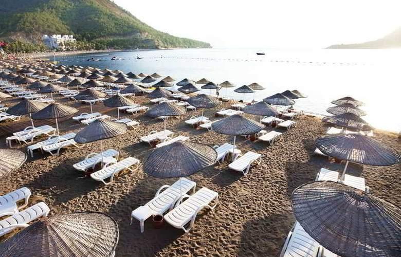 Aqua Hotel - Beach - 8