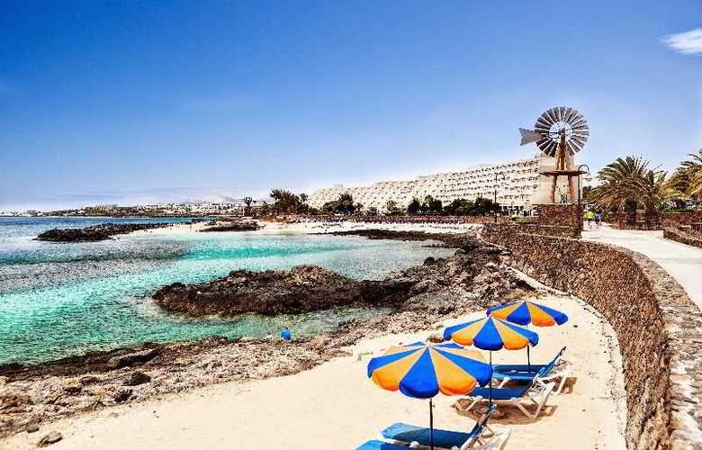 Grand Teguise Playa - Beach - 31