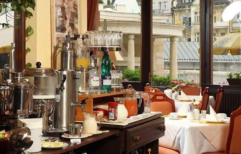 Romance Puskin Hotel - Restaurant - 11