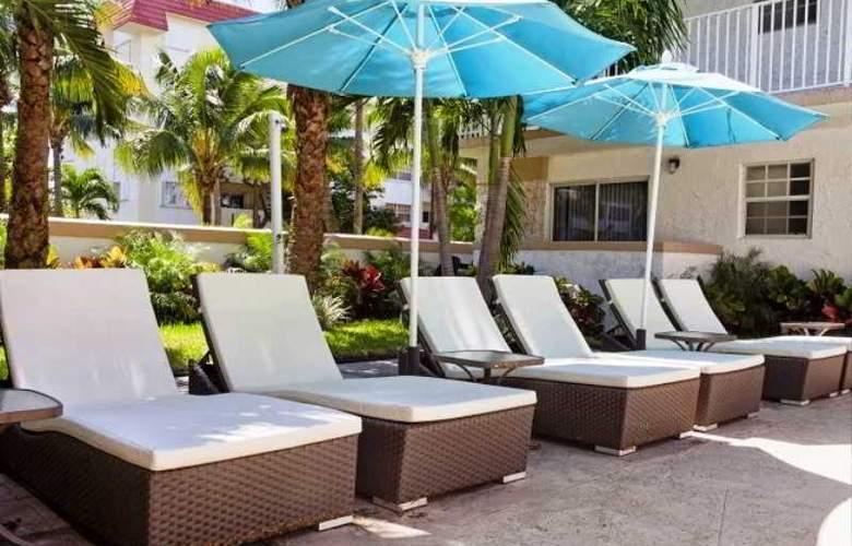 Coral Reef Suites Key Biscayne Mia - Terrace - 2