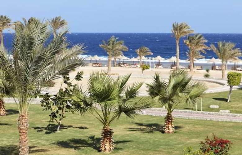 Three Corners Sea Beach Resort - Beach - 29