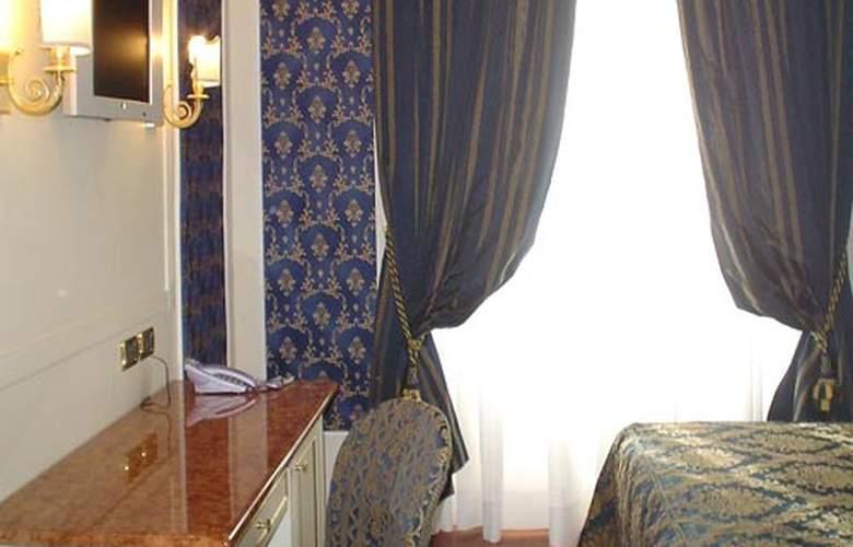 Dina Hotel - Room - 4