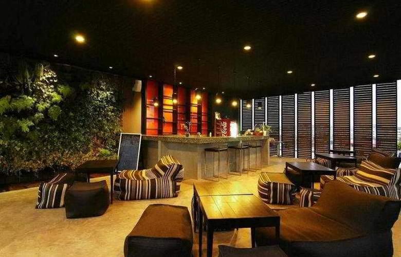 Page 10 Hotel Pattaya - Bar - 9